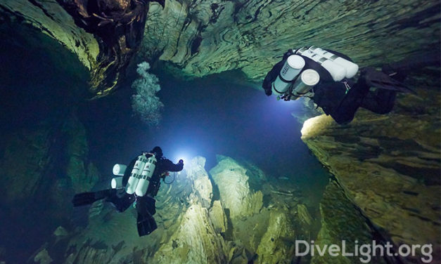 Cave Dive Light Overview – Narrow Beam, Good Grip