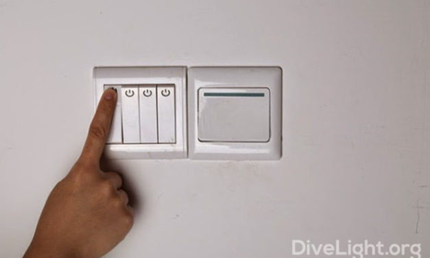 The Most Common Dive Light Switch Types