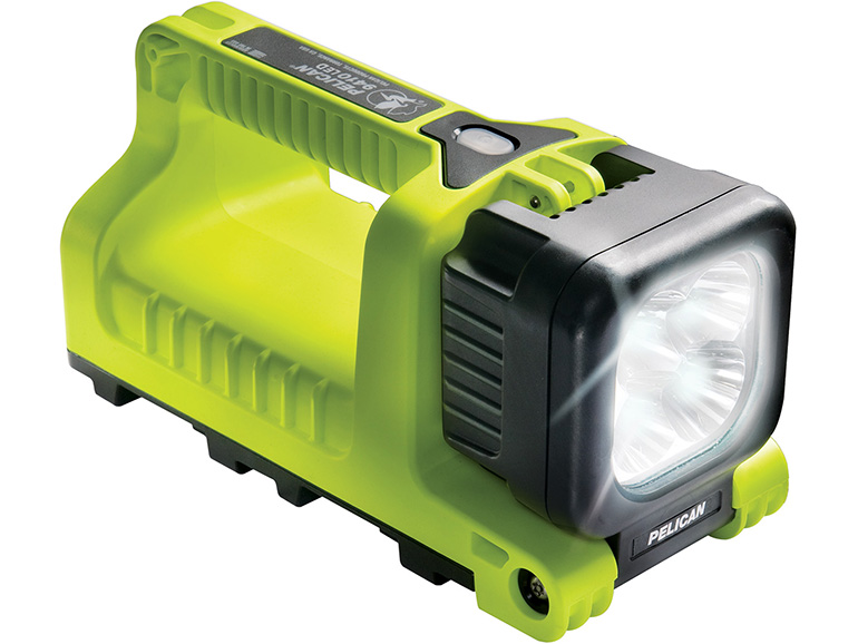 Tips for Choosing a Tactical Dive Light